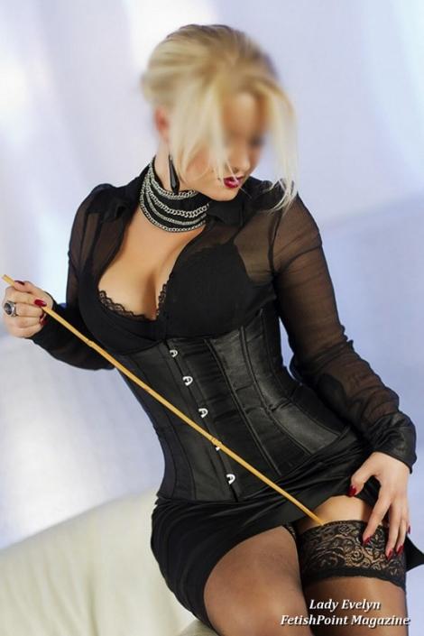 Lady Evelyn | Domina Wien | FetishPoint Magazine