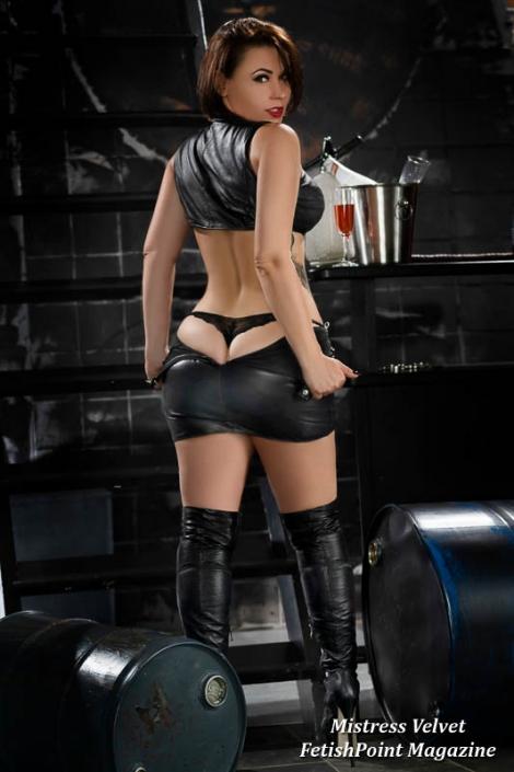 Mistress Velvet | Domina Wien | FetishPoint Magazine