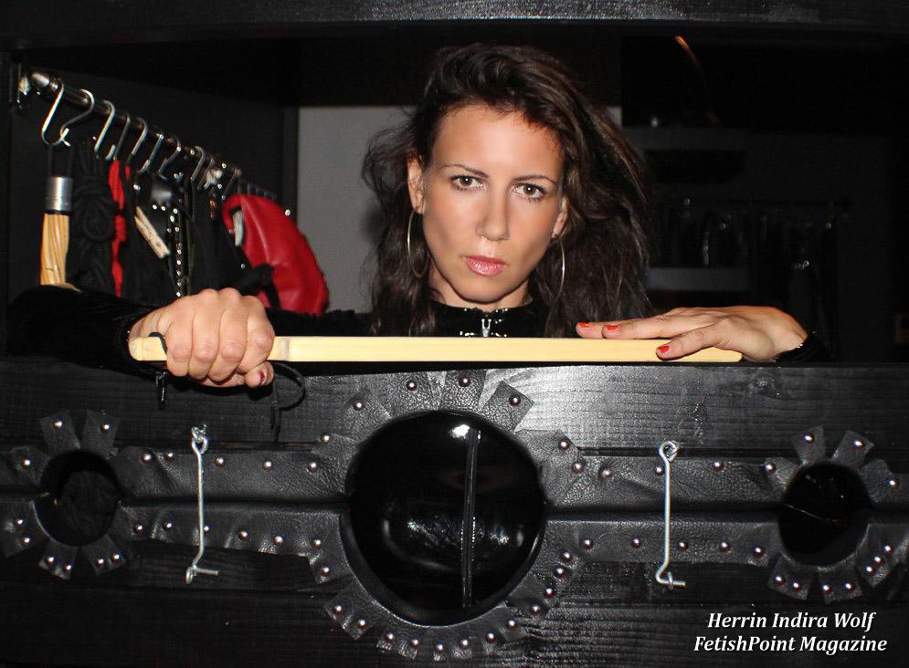 Herrin Indira Wolf | Domina Wien | FetishPoint Magazine