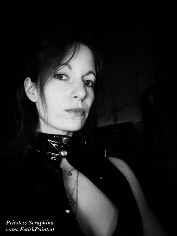 Priestess Seraphina | Domina Wien | FetishPoint Magazine