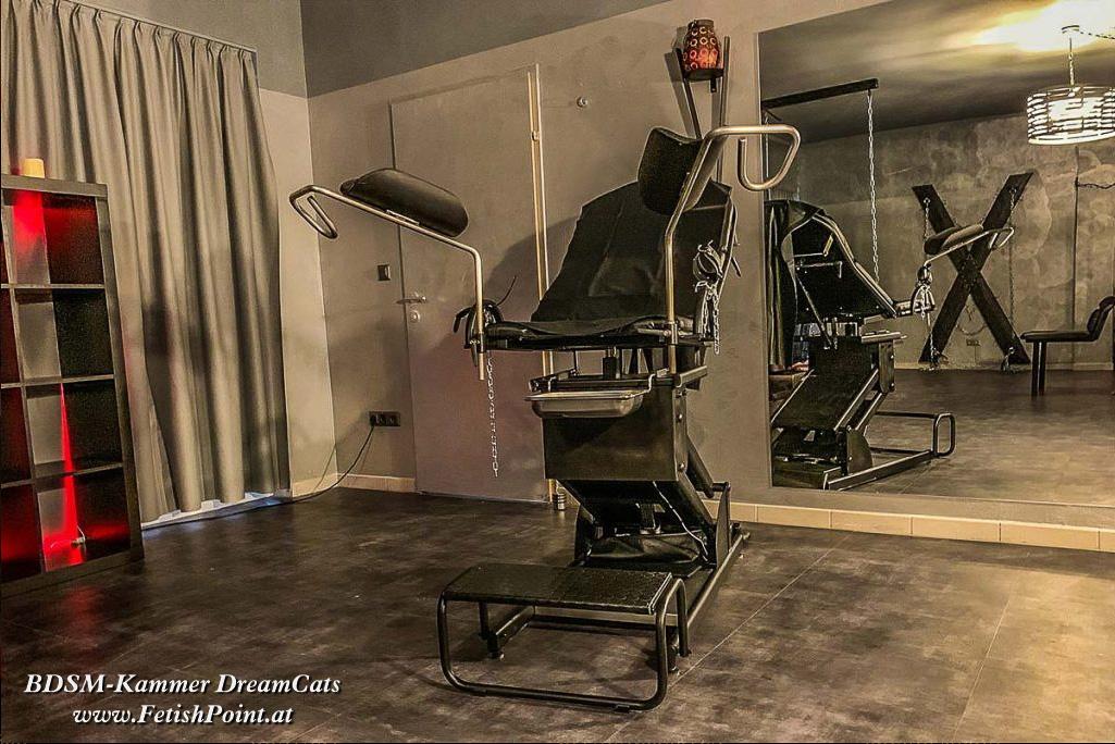 "BDSM-Kammer ""DreamCats""   Leobersdorf   FetishPoint Magazine"