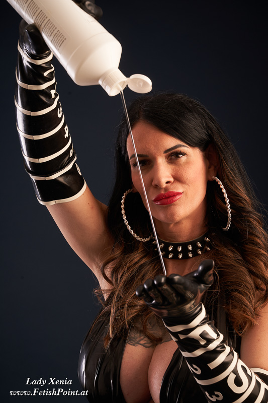 Lady Xenia | Domina Wien | FetishPoint Magazine