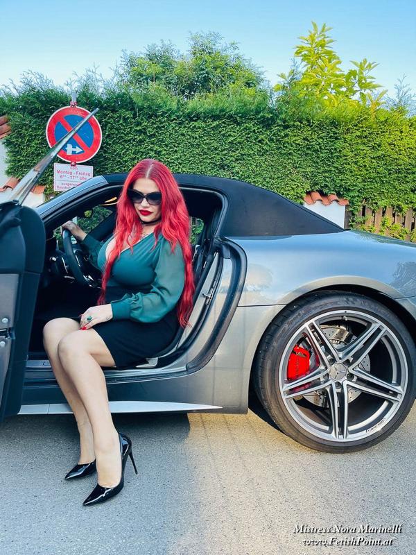 Mistress Nora Marinelli | Domina Wien | FetishPoint Magazine | 210918-000